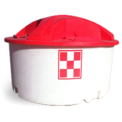 White plastic tub with red lid. Purina Accuration Range Liquid 12% Fat.