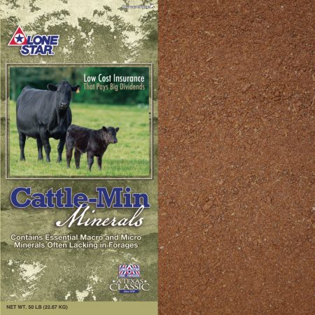 Green feed bag. Blue lettering. Two black cows. Pasture mineral for cattle. Lone Star 1072